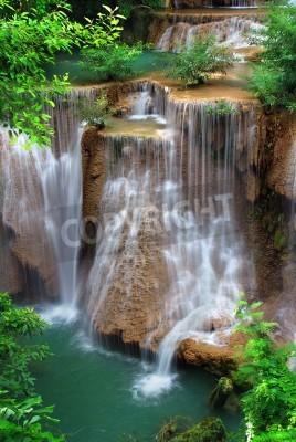 Poster cascata nel parco nazionale tailandese