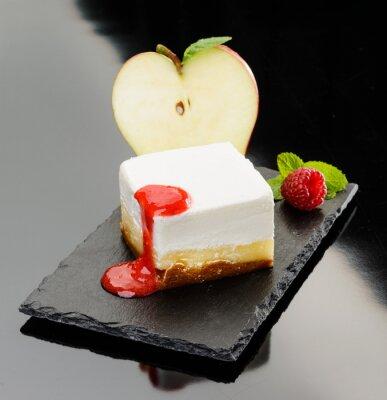 Poster Cheesecake con mela e mousse di lampone