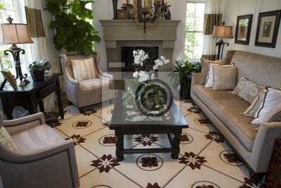 Poster: Contemporanea soggiorno con camino e arredamento elegante.