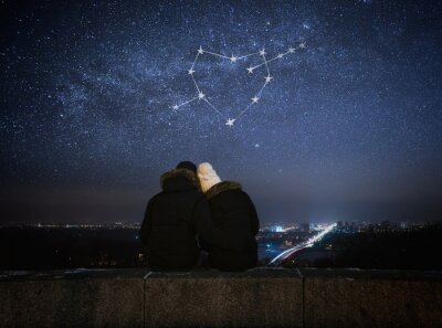 Poster Coppia in amore seduto in un abbraccio