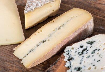 Poster Diverse varietà di formaggi francesi