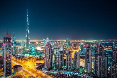 Poster Fantastica notte Dubai skyline con grattacieli illuminati. prospettiva sul tetto del centro di Dubai, Emirati Arabi Uniti.