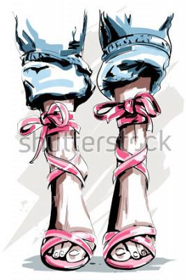 Poster Gambe disegnate a mano sveglie in scarpe. Belle scarpe estive. Accessori alla moda. Schizzo. Illustrazione vettoriale