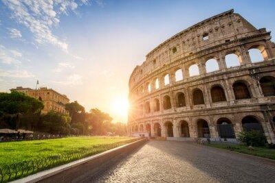 Poster Il Colosseo a Roma, Italia al tramonto