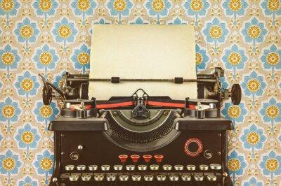 Poster immagine in stile retrò di una vecchia macchina da scrivere