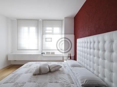 Lussuosa camera da letto con dovuta larghe finestre manifesti da ...