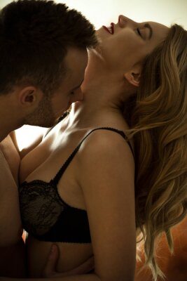 Poster Man kissing neck