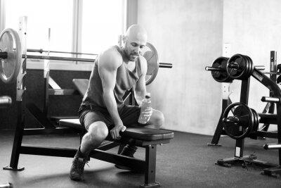 Poster Mann im Studio Fitness