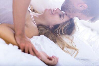 Poster Matrimonio giovane durante il sesso mattina