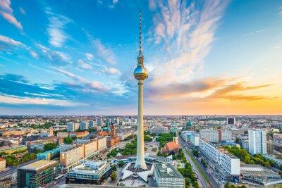 Poster Orizzonte di Berlino con torre di TV al tramonto, Germania