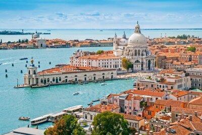 Poster Paesaggio urbano panoramica aerea di Venezia con Santa Maria della Salute Chiesa, Veneto, Italia