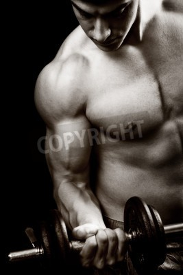 Poster Palestra e fitness concept - bodybuilder e manubrio sul nero