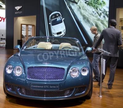Poster Paris Motor Show 2010 a Parigi, mostrando Bentley Continental GTC Serie 5I