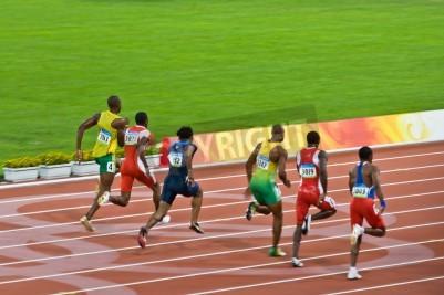 Poster Pechino, Cina - 18 agosto 2008: campione olimpico Usain Bolt percorsi il pacco prima di impostare un nuovo record mondiale
