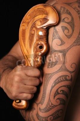 Primo Piano Di Maori Tatuaggio Tribale Tamoko Intagliato E Semplice