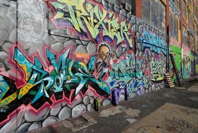 Poster Queens, New York - 7 ottobre 2010: cinque Pointz, considerata una mecca graffito nel Queens di New York City, è uno spazio espositivo all'aperto con numerosi artisti di graffiti.