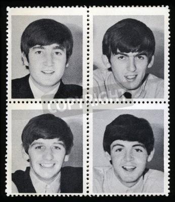 Poster REGNO UNITO - CIRCA 1963: gadget Bolli dell'annata ciascuna raffigurante l'immagine di un membro di 'The Beatles', intorno al 1963.