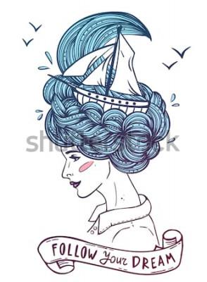 Poster Ritratto disegnato a mano di colore di una giovane donna bella che sogna con la nave in ondate di capelli ricci come il mare. Tatuaggio, zentangle, moda, marine, cartoline, nastro vintage con testo &q
