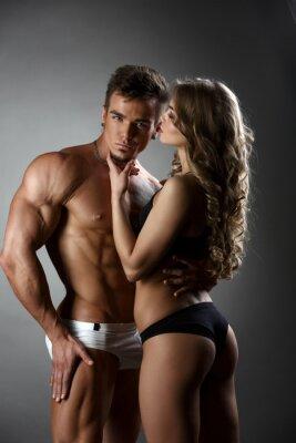 Poster Sessuale abbracci bodybuilder ragazza possessivo