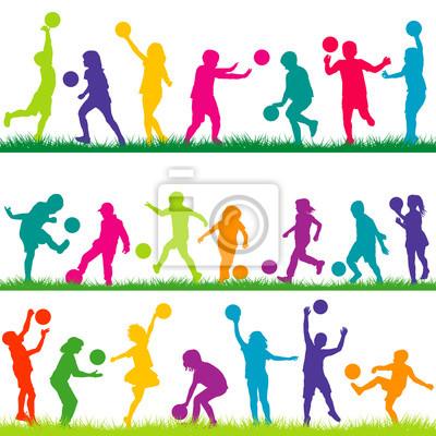 Set Di Bambini Che Giocano Con Le Palle Manifesti Da Muro Poster