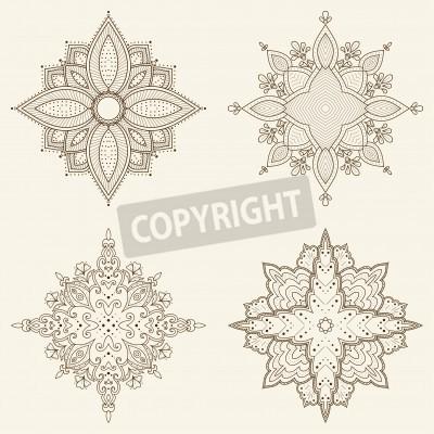 Poster Set di fiori quattro mandala Bella disegnati a mano pizzo Etnica modello ornamentale rotondo può essere utilizzato per la progettazione del tessuto, carta decorativa, web design, ricamo, tatuaggio, ec