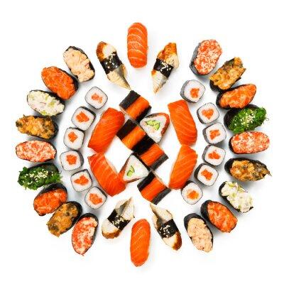 Poster Set di sushi, maki, gunkan e panini isolati in bianco