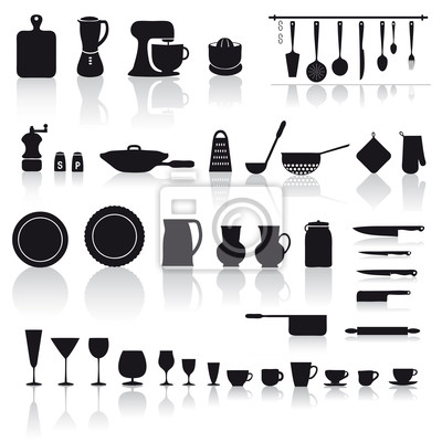 Set di utensili e attrezzi da cucina: piatti, bicchieri e posate ...