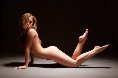 Poster Studio fotografico di ragazza harmonous posa nuda