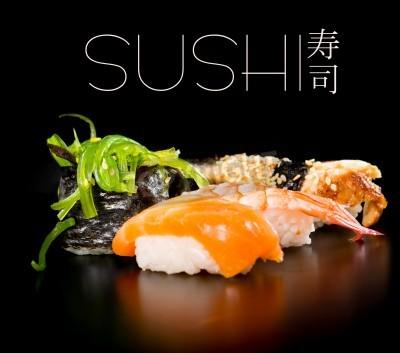 Poster Sushi set su sfondo nero