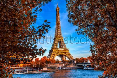 Poster Torre Eiffel e Senna di Parigi a Parigi, Francia. La Torre Eiffel è uno dei monumenti più iconici di Parigi. Autunno Parigi.