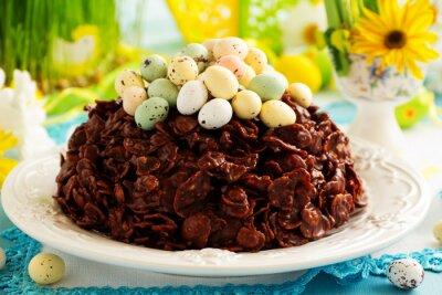 Poster Tradizionale torta di Pasqua di cioccolato con uova di cioccolato.