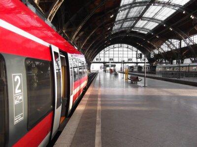 Poster Treno si ferma in stazione