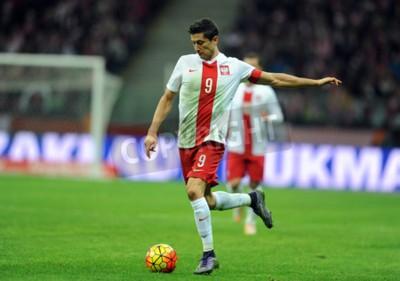Poster VARSAVIA, POLONIA - 13 Novembre 2015: EURO 2016 Campionato Europeo friendly gioco Polonia - Robert Lewandowski Icelandop