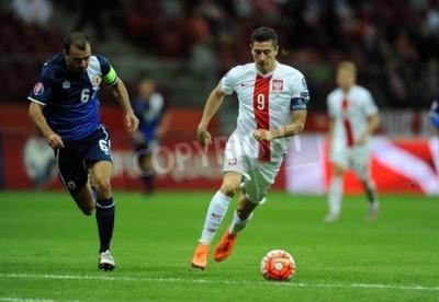 Poster VARSAVIA, POLONIA - 7 SETTEMBRE 2015: EURO 2016 France Football Euro Cup Qualificazioni Polonia vs Gibraltarop Roy Chipolina Robert Lewandowski