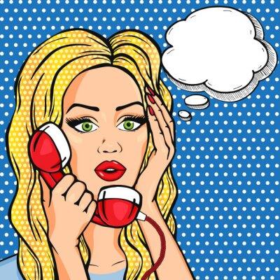 Poster Vector scioccato donna al telefono con bolla di pensiero, vettore pop art fumetto stile