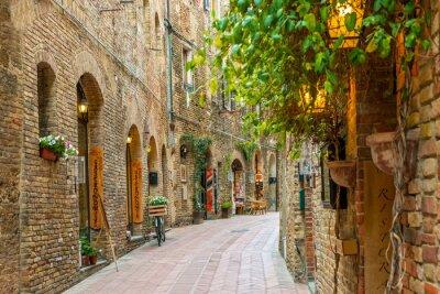 Poster Vicolo nel centro storico di San Gimignano Toscana Italia