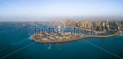 Poster Vista aerea panoramica della ruota panoramica di Bluewaters nel Dubai, Emirati Arabi Uniti