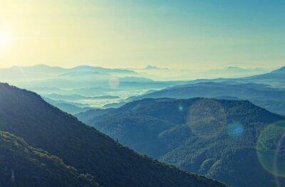 Poster vista cross-trattati di Alba sulle montagne