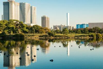 Poster Vista di Tokyo paesaggio urbano con parco