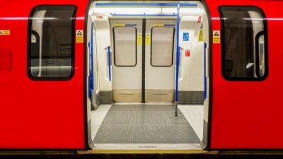 Poster Vista interna della metropolitana di Londra, la stazione della metropolitana