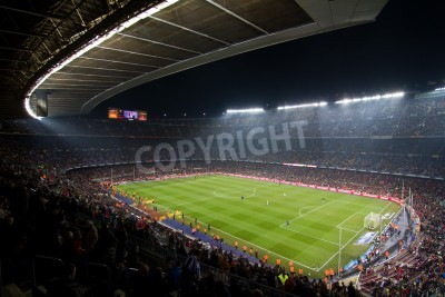 Poster BARCELLONA, SPAGNA - 13 dicembre 2010: Vista panoramica del Camp Nou, lo stadio della squadra di Football Club Barcelona, prima della partita FC Barcelona - Real Sociedad, punteggio finale 5-0 a.