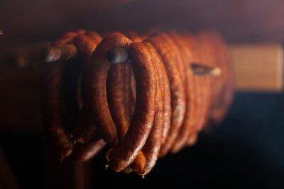 Poster Cibo tradizionale. Sausuages fumata in affumicatoio.