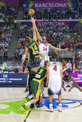 Poster Jonas Valanciunas e Anthony Davis in azione alla FIBA World Cup partita di basket tra Stati Uniti Team e la Lituania, punteggio finale 96-68, il 11 Settembre 2014, a Barcellona, Spagna
