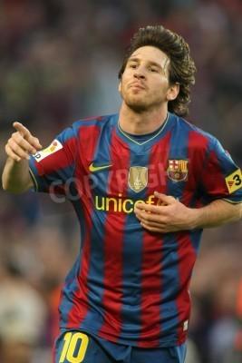 Poster Leo Messi di Barcellona durante una partita del campionato spagnolo tra FC Barcelona e Valladolid allo stadio Camp Nou il 16 maggio 2010 a Barcellona, Spagna
