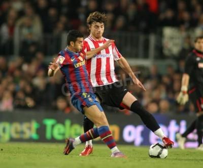 Poster Pedro di Barcellona e Amorebieta di Bilbao in azione durante una partita del campionato spagnolo tra FC Barcelona e Athletic Bilbao allo stadio Camp Nou il 3 aprile 2010 a Barcellona, Spagna