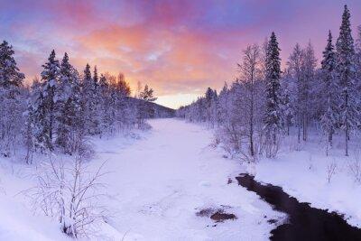 Quadro Alba nel corso di un fiume in inverno nei pressi di Levi, Lapponia finlandese