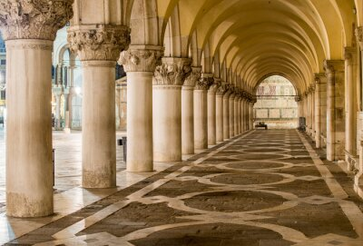 Quadro Antiche Colonne a Venezia. Archi in Piazza San Marco, Venezia
