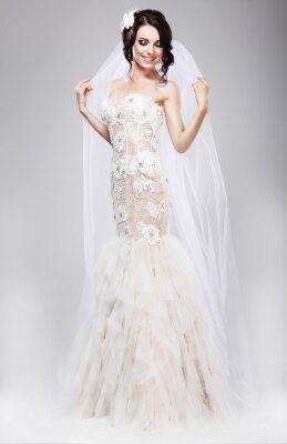 Quadro Aspettative. Bella Jubilant sposa in abito bianco da sposa
