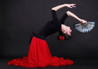 Quadro Attraente spagnolo giovane donna danza flamenco su backg nero