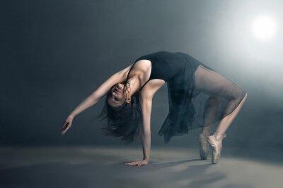 Quadro Ballerino di stile moderno in posa su sfondo grigio